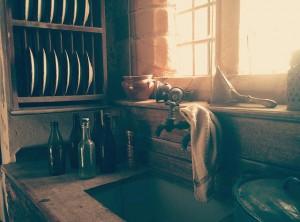 Alte Küche mit Schimmel behaftet